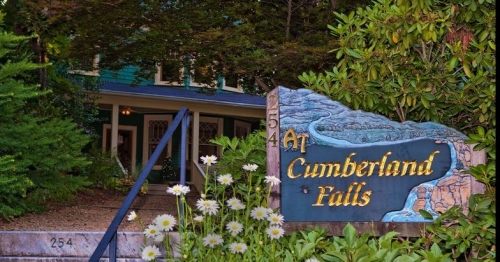 At Cumberland Falls Bed and Breakfast Inn