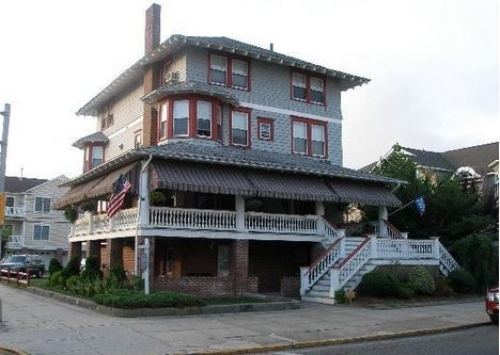 Browns Nostalgia Bed and Breakfast