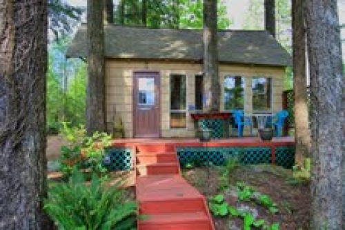 Roaring River Bed and Breakfast
